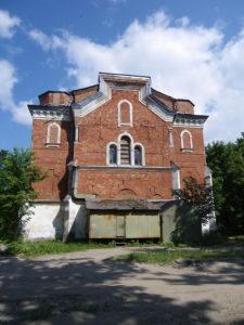 Venjoen kirkko, jossa toimii laboratorio.