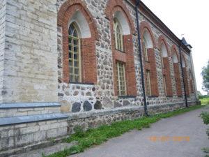 Kupanitsan neuvostoaikana rapistunut kirkko korjattiin 1990-luvun alussa ja vihittiin käyttöön.