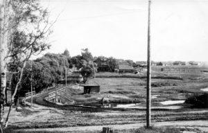 Metsäpirtin kylä Järvisaaressa toisen maailmansodan aikana.