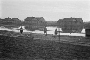Joenperän taloja 1900-luvun alussa.