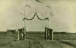 Kolppanan laulujuhlien portti 1913.