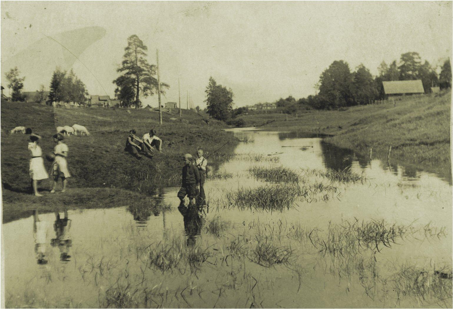 Valkeasaari 1944 Video