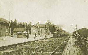 Tipunan asemalta kulkivat junat Pietariin ja Viipuriin.