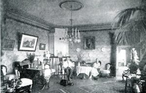 Tyrön vanhan pappilan sali